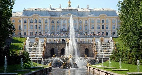 Découvrez la magnifique ville de Saint-Pétersbourg
